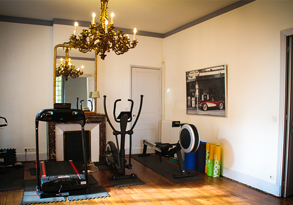 salle de sport domicile suspension luminaire salle manger salle de sport domicile gym. Black Bedroom Furniture Sets. Home Design Ideas